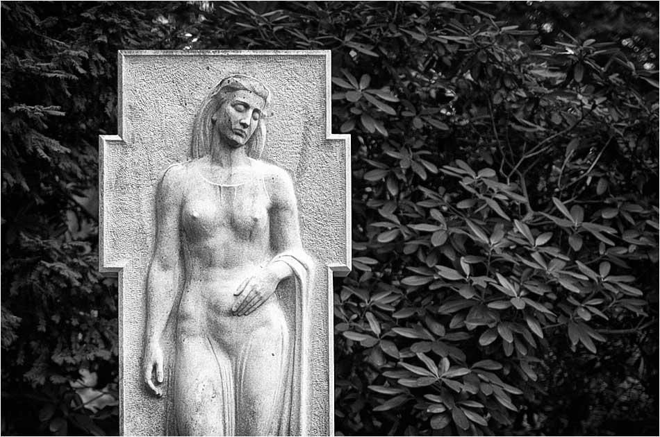 Grabmal Sikorski (1942) – Friedhof Ohlsdorf