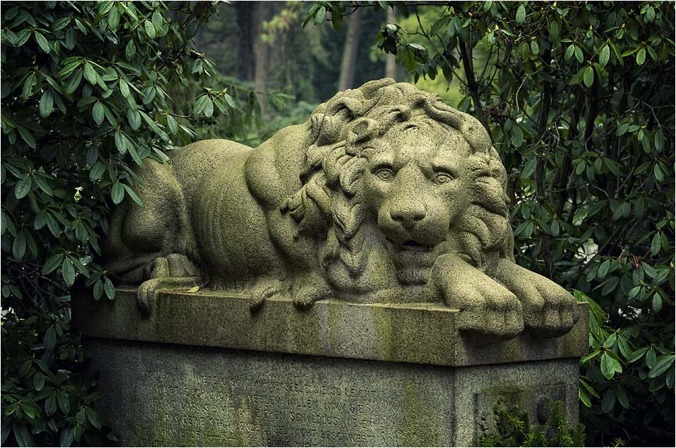 Löwengrab – Friedhof Ohlsdorf