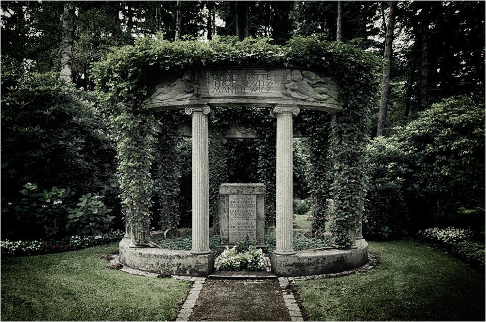 Säulengrabmal Troplowitz-Mankiewicz