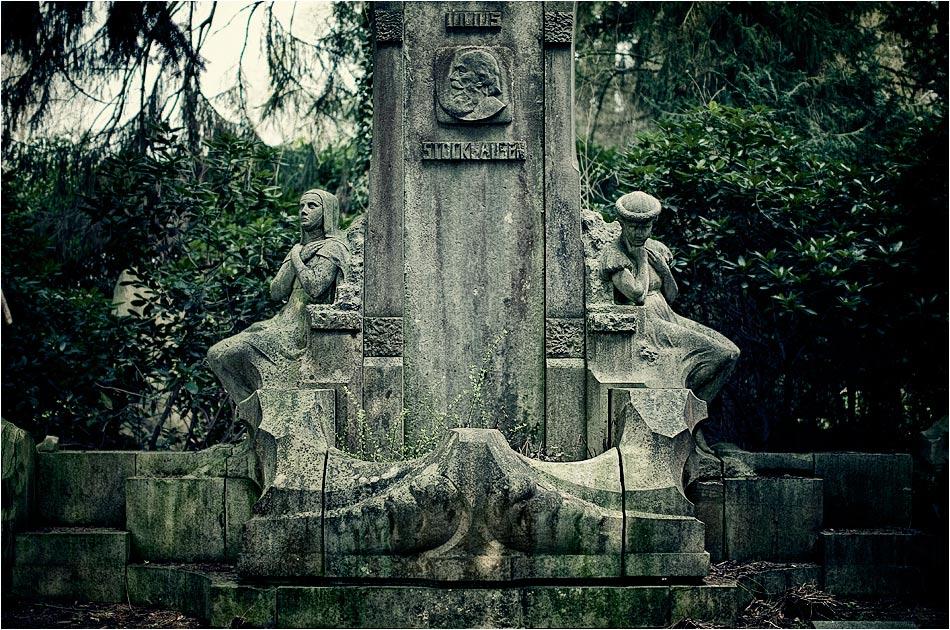 Grabmal Stockhausen — Friedhof Ohlsdorf — Michael Wassenberg