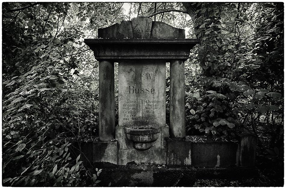 Grabmal Busse — Friedhof Ohlsdorf — Michael Wassenberg