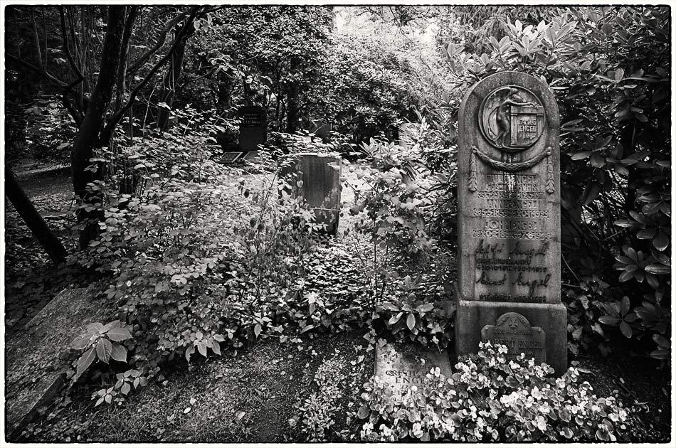 Grabmal Engel — Friedhof Ohlsdorf — Michael Wassenberg