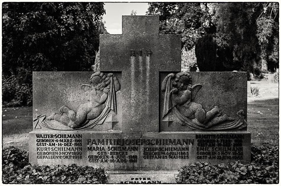 Grabmal Schilmann (1925)