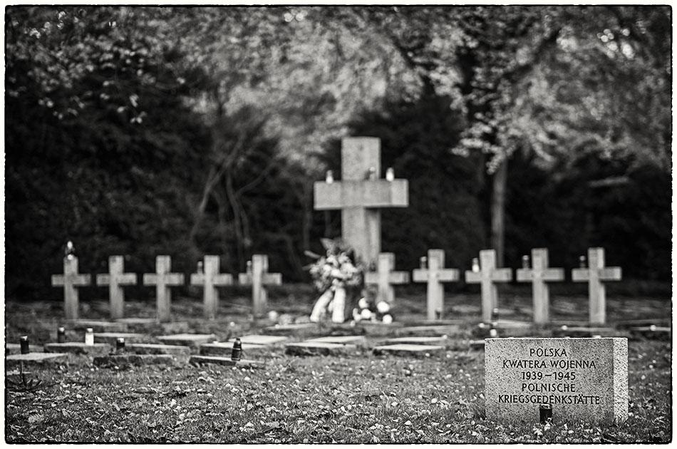 Polnische Kriegsgedenkstätte — Friedhof Ohlsdorf — Michael Wassenberg