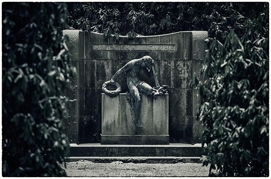 Grabmal Kalbhenn Garbe, ehemals Frahm (1912) — Friedhof Ohlsdorf — Michael Wassenberg