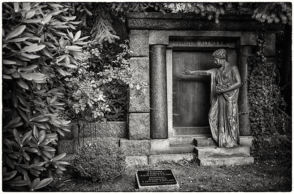 Grabmal Altmann — Friedhof Ohlsdorf — Michael Wassenberg