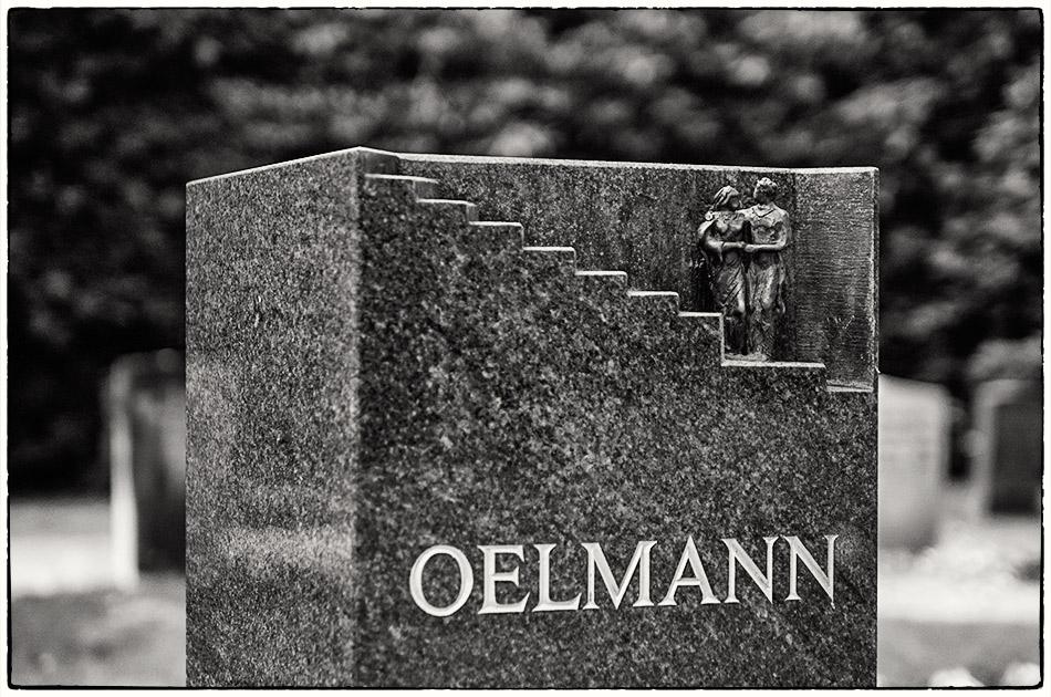 Grabmal Oelmann — Friedhof Ohlsdorf — Michael Wassenberg