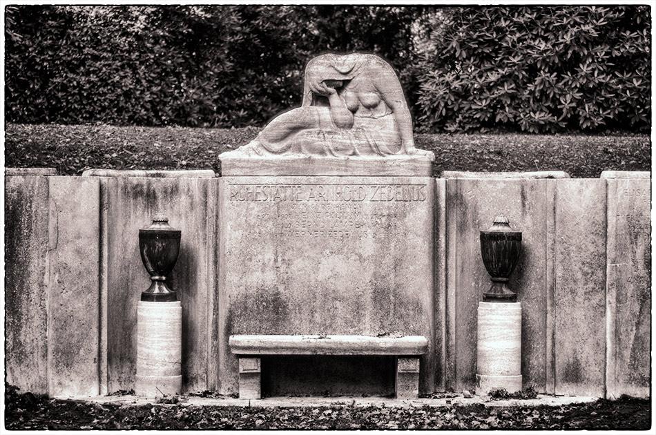 Friedhof Ohlsdorf — Gottesacker — Grabmal Zedelius (1913/1914)