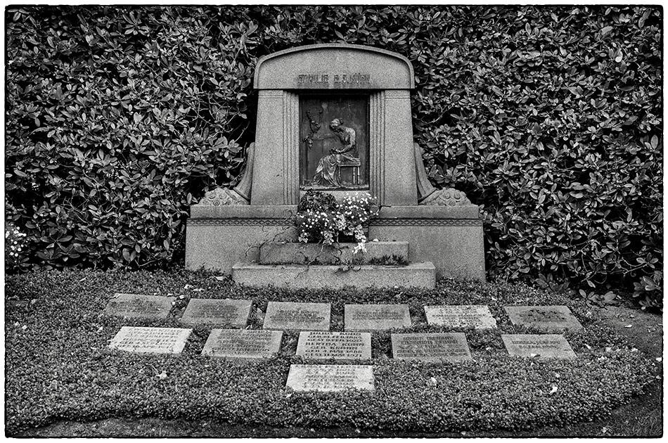 Grabmal Kühn · Friedhof Ohlsdorf