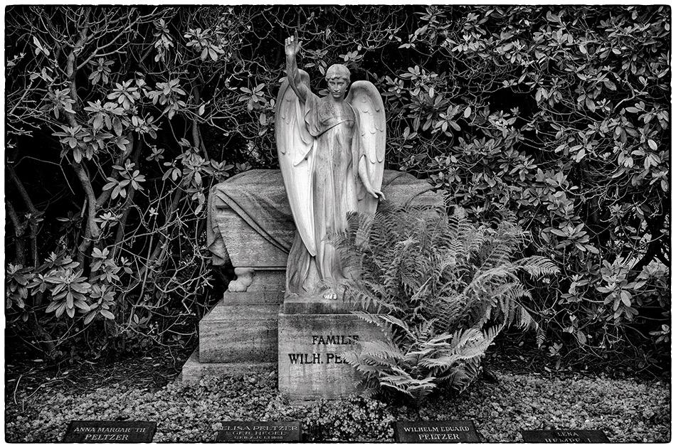 Grabmal Peltzer (1915) · Friedhof Ohlsdorf