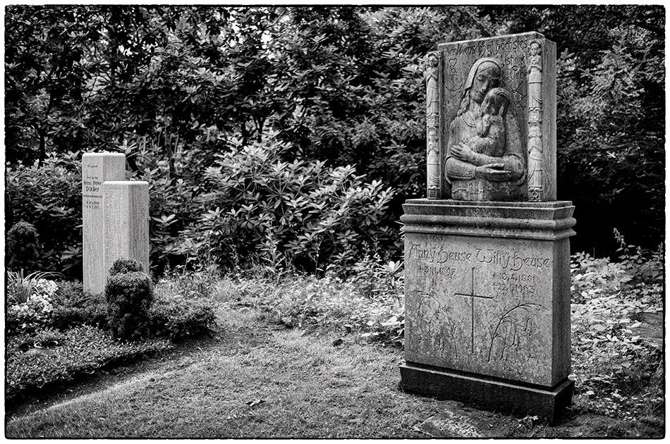 Grabmal Heuse · Friedhof Ohlsdorf