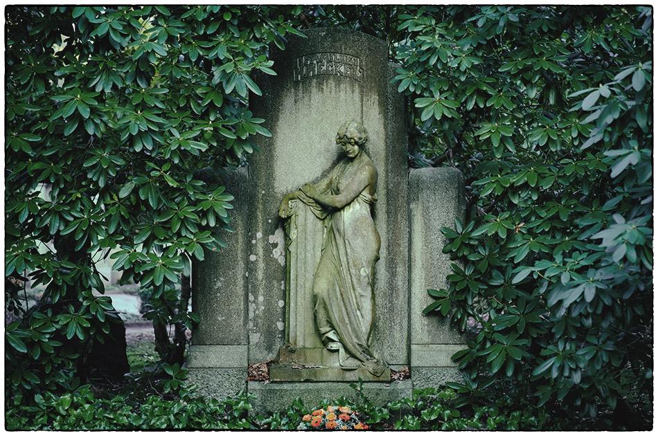 Grabmal Heckel (1908) · Friedhof Ohlsdorf · Michael Wassenberg · 2016-12-29