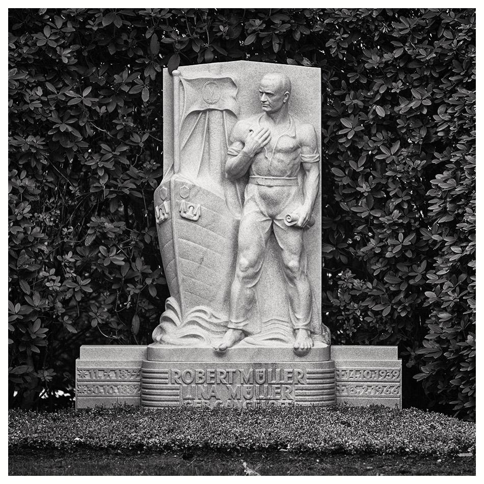 Grabmal Müller (1939) · Friedhof Ohlsdorf · Michael Wassenberg · 2017-04-03