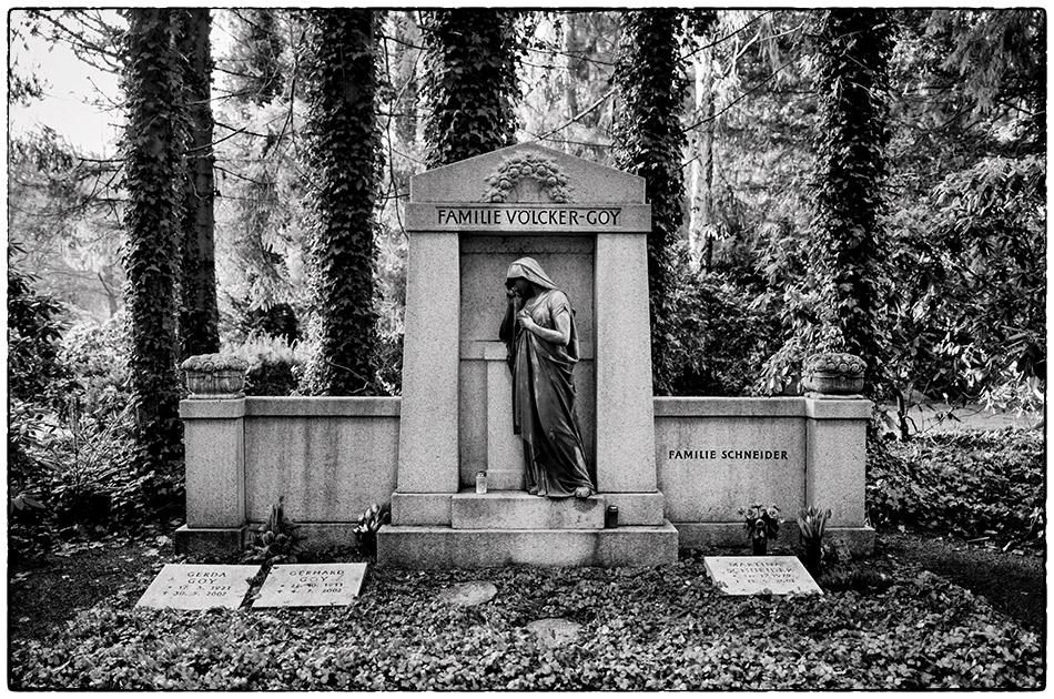 Grabmal Völcker-Goy · Friedhof Ohlsdorf · Michael Wassenberg · 2017-01-15