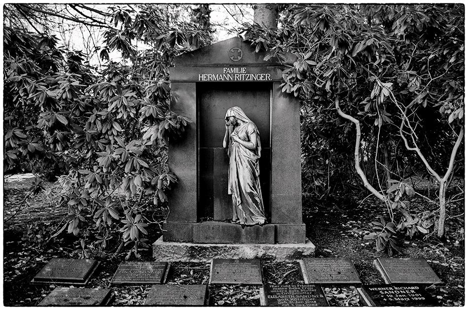Grabmal Ritzinger · Friedhof Ohlsdorf · Michael Wassenberg · 2017-01-15