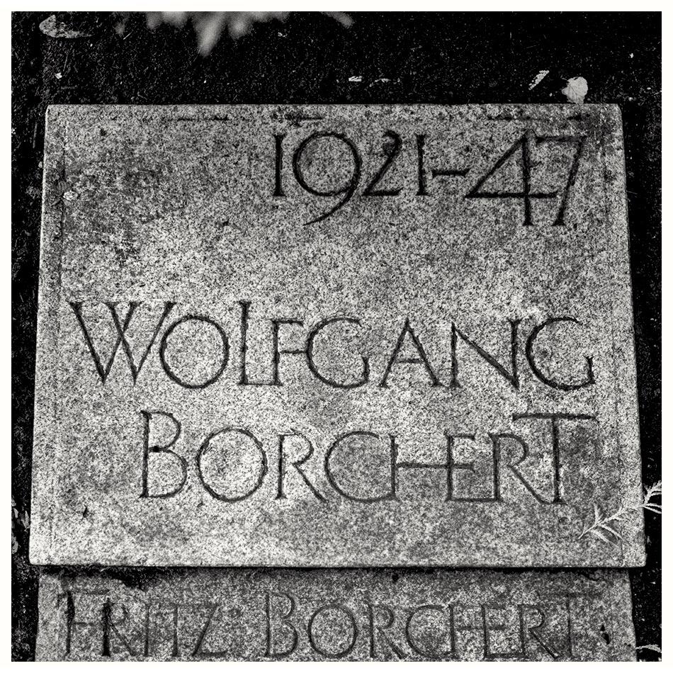 Grabmal Wolfgang Borchert · Friedhof Ohlsdorf · Michael Wassenberg · 2016-09-19