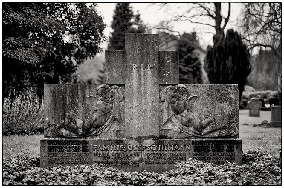 Grabmal Schilmann (1925) · Friedhof Ohlsdorf · Michael Wassenberg · 2017-12-10