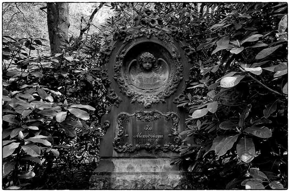 Grabmal Dorsch · Friedhof Ohlsdorf - 2018-04-29