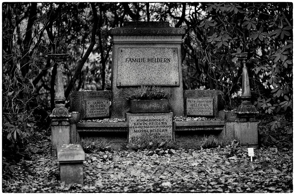 Grabmal Heldern · Friedhof Ohlsdorf · Michael Wassenberg · 18.11.2018