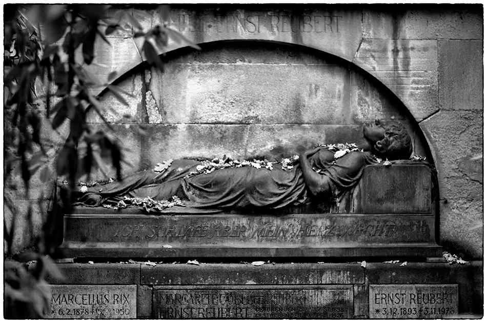 Grabmal Reubert (1919) · Friedhof Ohlsdorf · Michael Wassenberg · 18.11.2018