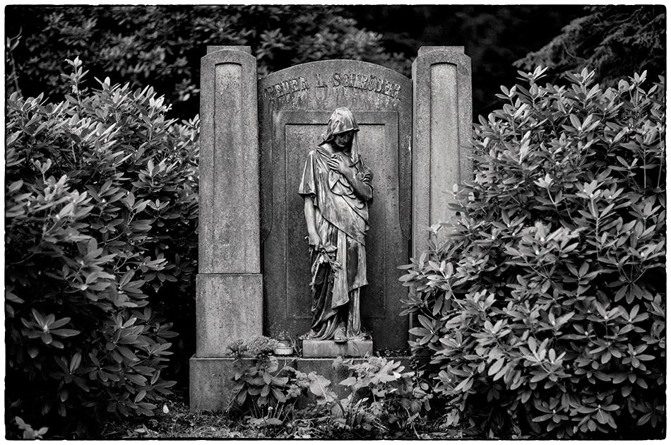 Grabmal Schröder (1914) · Friedhof Ohlsdorf · Michael Wassenberg · 2018-10-08