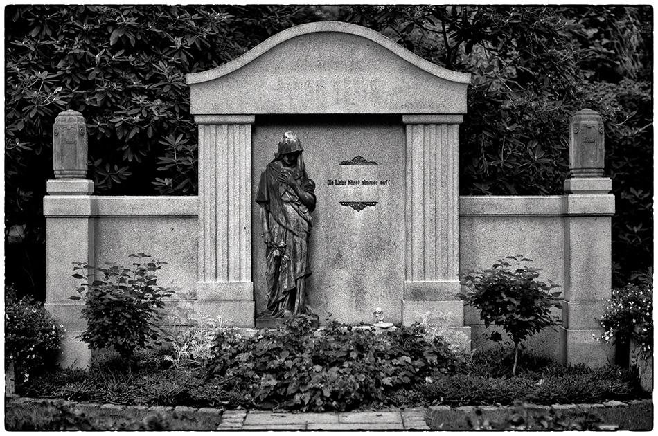 Die Liebe höret nimmer auf! · Friedhof Ohlsdorf · Michael Wassenberg · 2018-10-08