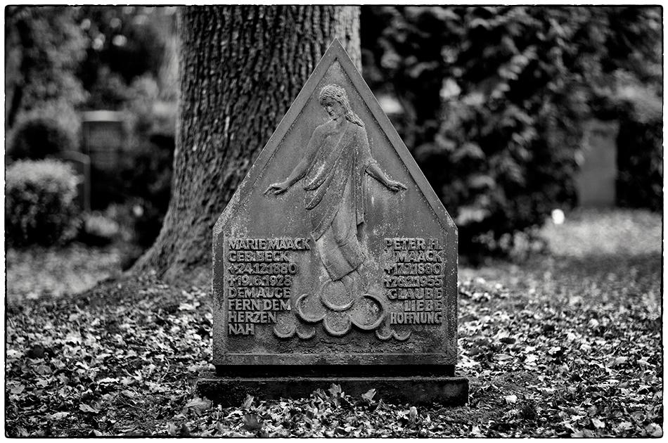 Grabmal Maack (1928) · Friedhof Ohlsdorf · Michael Wassenberg · 25.11.2018